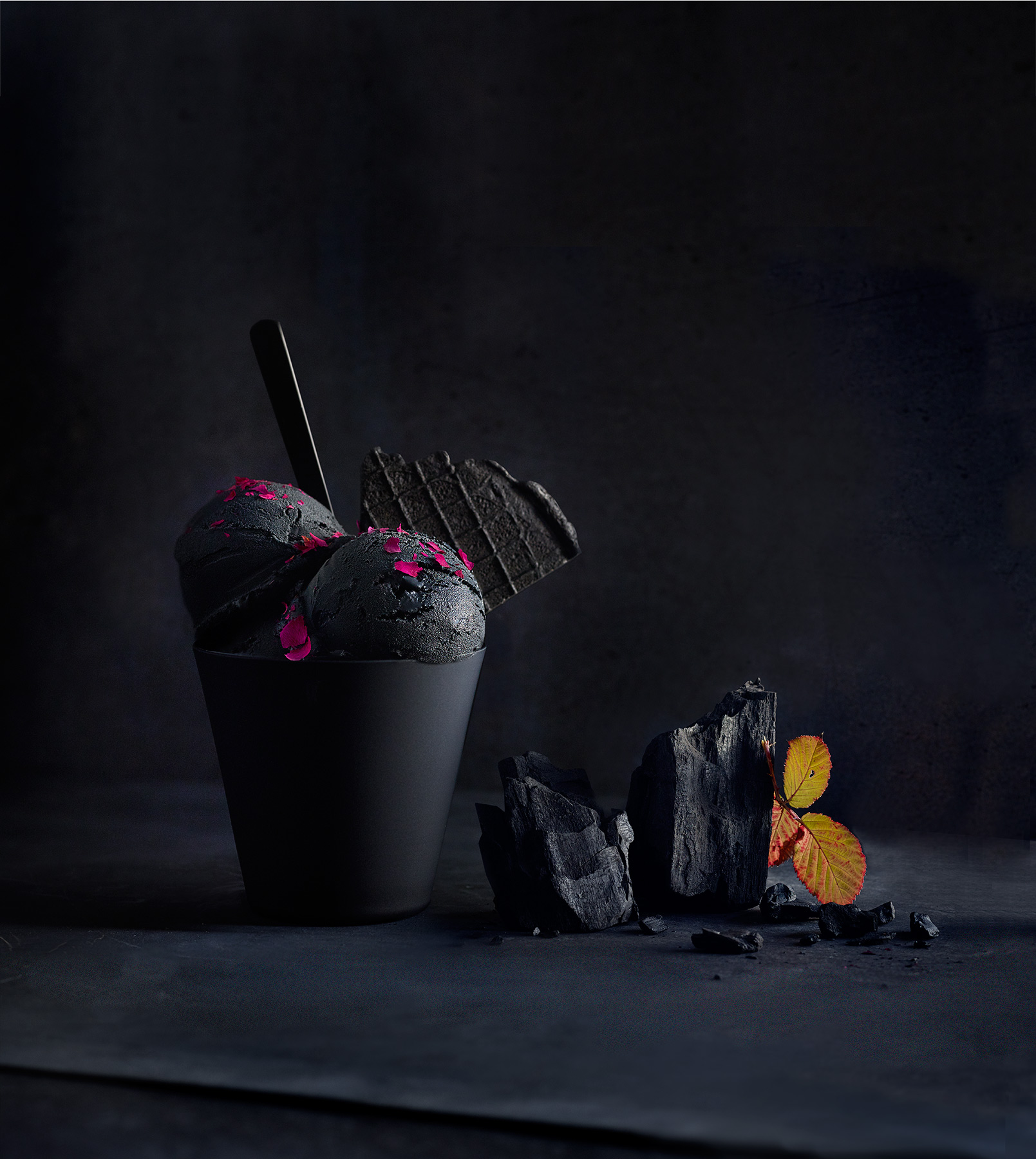 Icecream_Test_16631_Black_Charcoal_Final_web