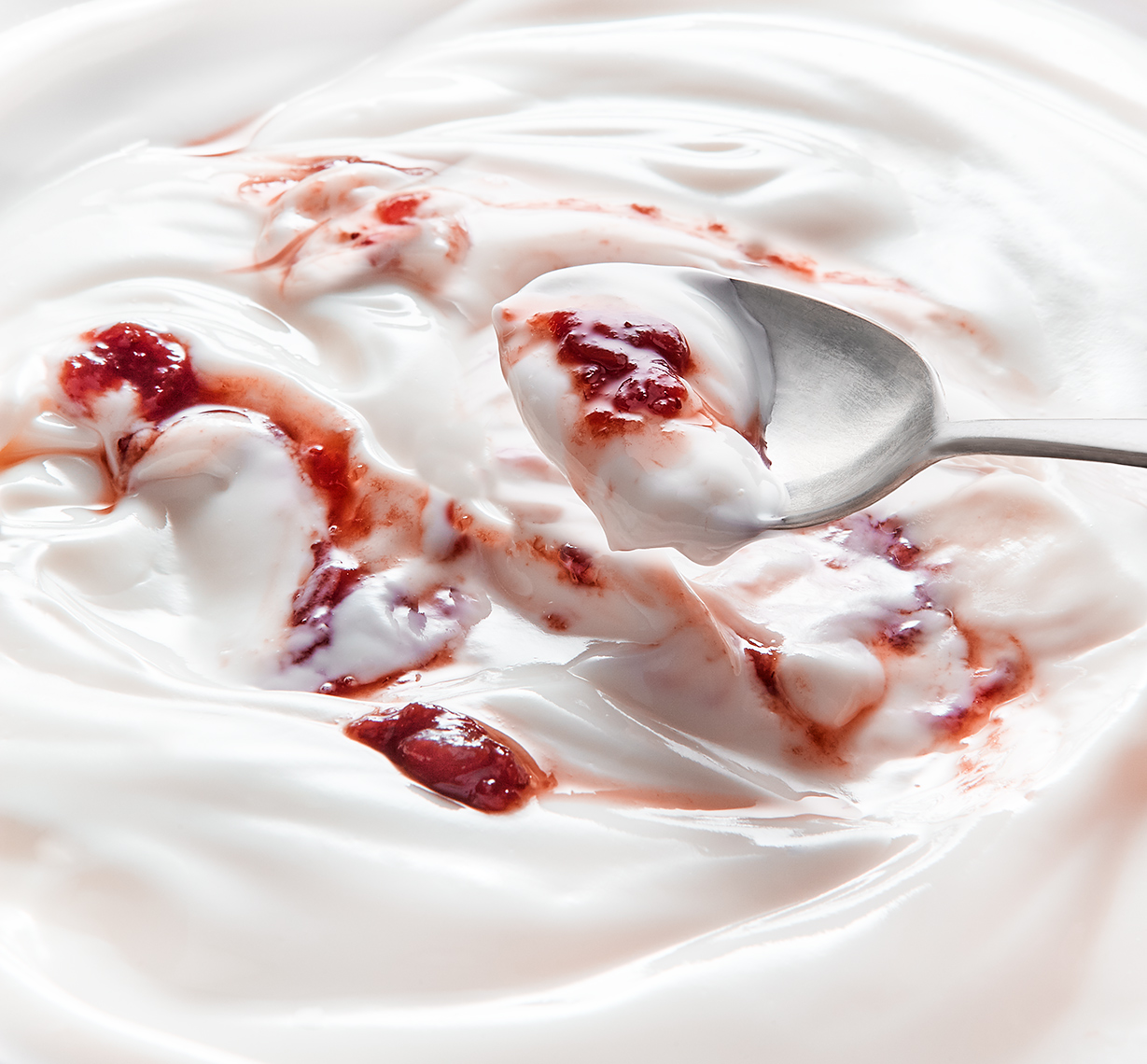 SueTest_Yoghurt_1_2019_0084_Spoon_Jam_FINAL