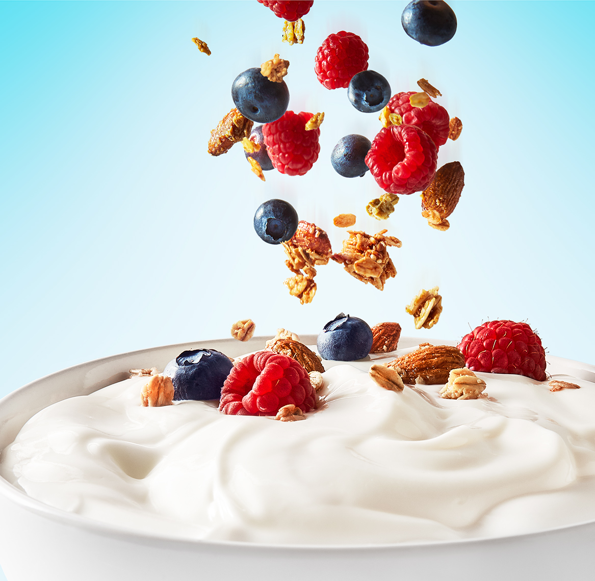 Yoghurt_1_2019_0009_Bowl_Falling-Berries_FINAL